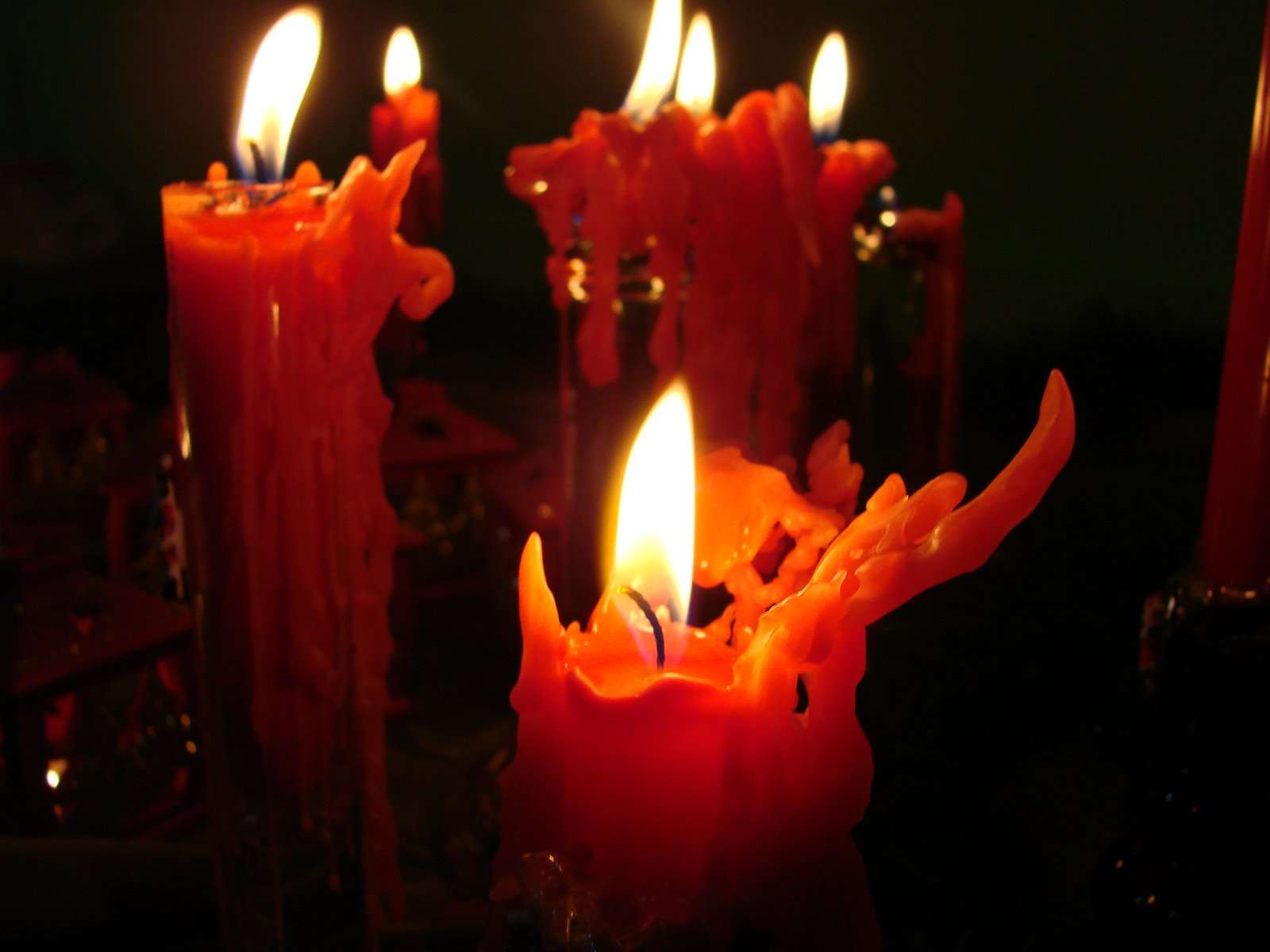 Red Candles Wallpapers